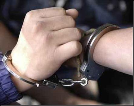 dos-espanoles-y-un-frances-fueron-detenidos-en-distintas-operaciones-policiales-en-el-aeropuerto-de-la-ciudad-boliviana-de-$599x0