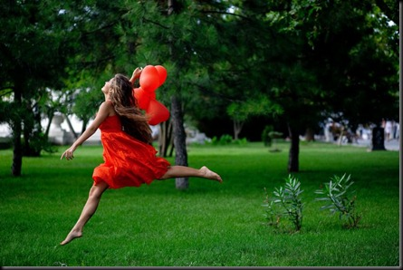 woman_in_red_dress_running