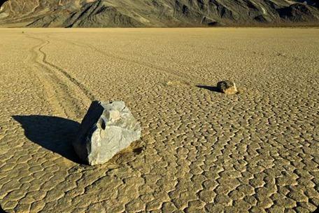 rocas-andantes-valle-muerte