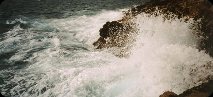 Waves_mediterranean_sea